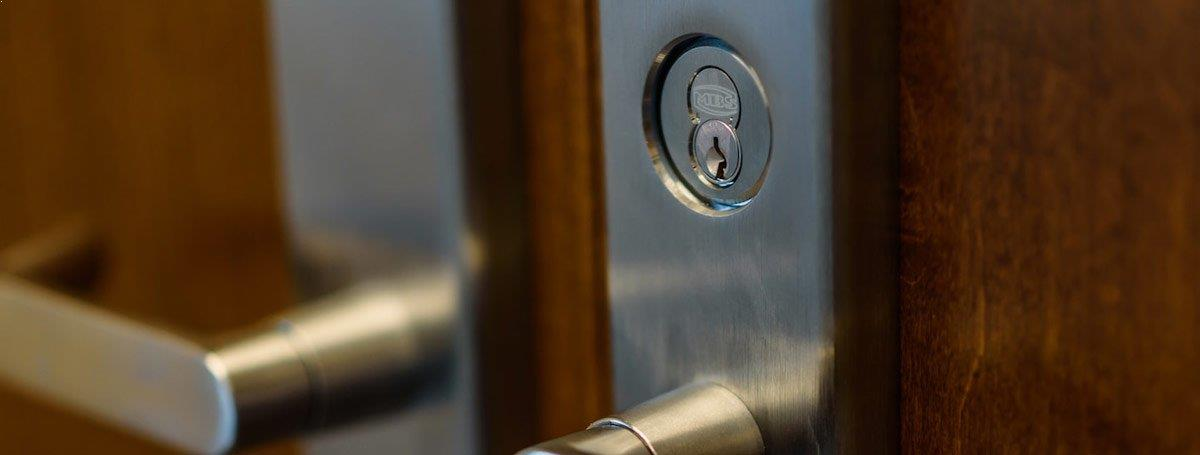 Locksmith Spokane commercial door lock types