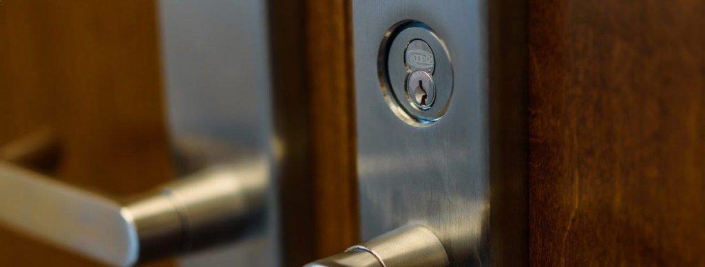 Locksmith Spokane commercial door lock types