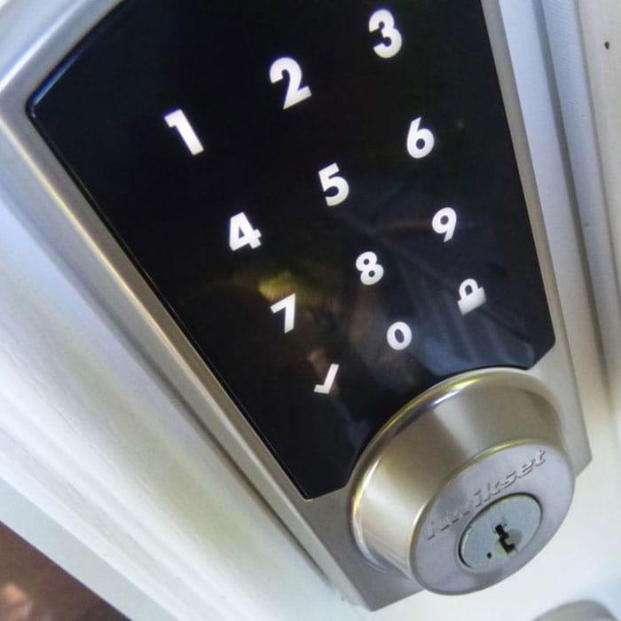 Locksmith Spokane keyless entry door lock